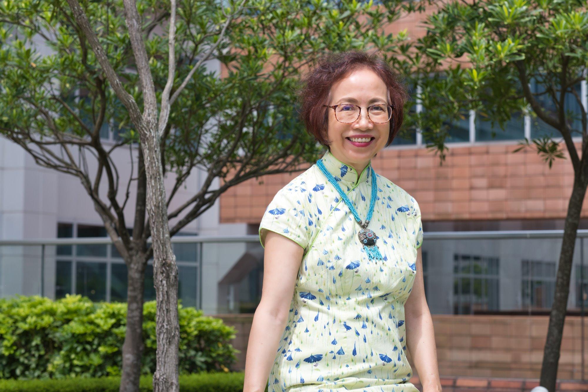 80 年代起於香港大學任教,陳麗雲教授有感社區中的病人缺乏支援